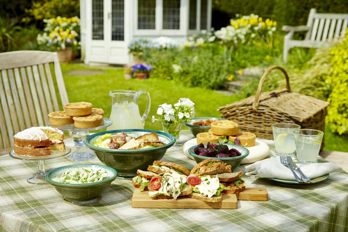 пикник в огороде дома фото простые мозаичные